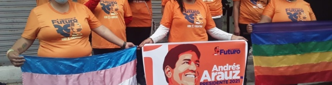 Kits de campaña a LGBTI enQuito